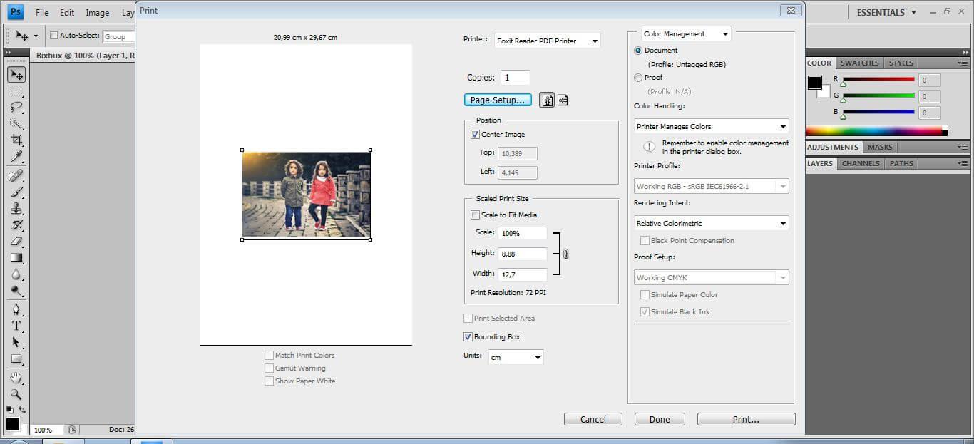 mengatur printer dan kertas yang digunakan untuk mencetak dokumen